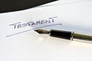 Testament, Erbrecht, Letzter Wille, Vermächtnis, Erbe, Erben, Nachlass, Erbschaft, Erblasser, Tod, Erbschaftssteuer, vererben, vermachen, testamentarisch, Prozess, Erbstreitigkeiten